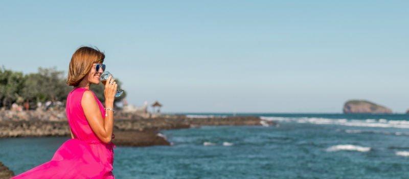 Summer Chic kleding: dé look voor een strandbruiloft!